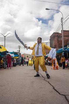 Acabo de compartir la foto de Ronald Alex Espinoza Marón que representa a: Danza WACA WACA