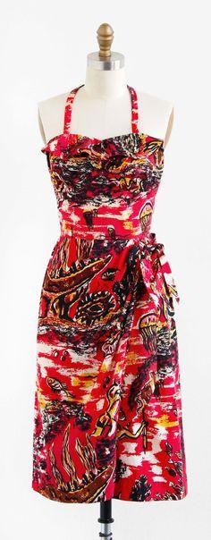 vintage 1950s little red Hawaiian novelty print dress | http://www.rococovintage.com