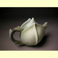 Alice R. Ballard | Teapots  http://aliceballard.com/teapots.html
