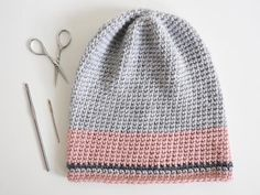 FREE - CROCHET - Simple Slouch Pom Pom Beanie Crochet Hat ~ easy level ~ beanie becomes a slouchie if you don't turn up the brim ~ make it in multiple colours as above or if you prefer crochet it in a solid colour. Chunky Crochet Hat, Crochet Cap, All Free Crochet, Crochet Baby Hats, Crochet Beanie, Crochet Gifts, Single Crochet, Crocheted Hats, Crochet Cowls