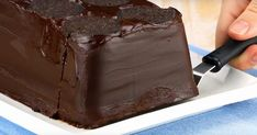 Mama never made an icebox dessert like this before. The appearance speaks for itself! Greek Sweets, Greek Desserts, Köstliche Desserts, Dessert Recipes, Oreo Icebox Cake, Icebox Desserts, Oreo Cake, Fudge Brownies, Brownies Caramel