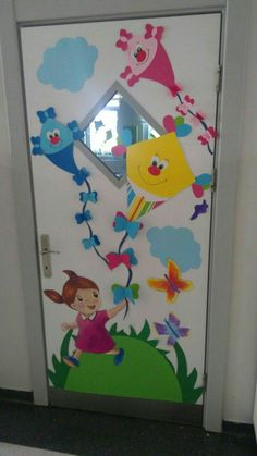 45 brilliant diy classroom decoration ideas & themes to inspire you 23 ~ Design And Decoration Preschool Door, Preschool Classroom Decor, Classroom Board, Preschool Crafts, Board Decoration, Class Decoration, School Door Decorations, School Doors, Toilet Paper Roll Crafts