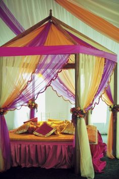 Bedroom Purple Accent Girls Canopy Bed With Chair And
