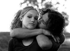 Julia Stiles & Heath Ledger(10 Things I Hate About You)