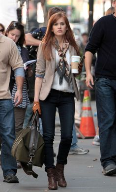 Isla Fisher at Now You See Me set http://postlearner.blogspot.com/2013/08/how-to-create-back-link-with-pinterest.html#.UfvnH6xlQwo