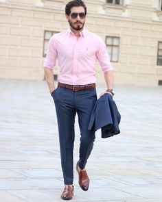 How to wear: navy suit, pink dress shirt, brown leather loafers, brown Brown Shoes Outfit, Blue Pants Outfit, Blue Suit Brown Shoes, Blue Jeans, Formal Men Outfit, Formal Dresses For Men, Mens Formal Pants, Blue Suit Men, Stylish Mens Outfits