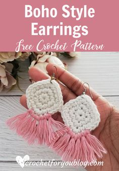 Crochet Boho Style Earrings Free Pattern - - This pair of crochet boho style earrings can be finished in 45 minutes with some small amount of scrap cotton yarns. It's easier than you think. Crochet Jewelry Patterns, Crochet Earrings Pattern, Crochet Bracelet, Crochet Accessories Free Pattern, Crochet Collar Pattern, Knitted Jewelry, Crochet Keychain Pattern, Hat Patterns, Crochet Gifts