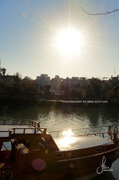 Türkei, Turkey, Manavgat, a boat on the river against the sun, Fluss Manavgat mit Boot im Gegenlicht, photography by Jana Bath 2014, http://www.foto-bath.de