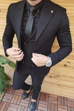 An all black suit is always sexy and in style. You can own this three piece men's suit custom made by Giorgenti New York. It would be perfect for your wedding, business affair or formal event. Indian Men Fashion, Mens Fashion Wear, Suit Fashion, All Black Suit, Classy Suits, Man Dressing Style, Designer Suits For Men, Style Outfits, Casual Outfits