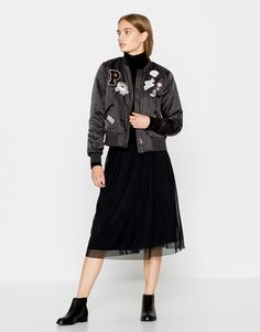 Black bomber jacket with patches - Jackets - Clothing - Woman - PULL&BEAR… Casual Clothes, Casual Outfits, Fashion Outfits, Clothes For Women, Space Grunge, Pull N Bear, Textiles, Black Bomber Jacket, Woman Clothing