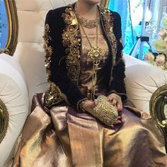 Frock Fashion, Fashion Sewing, Pakistani Party Wear Dresses, Asian Wedding Dress, Arabic Dress, Moroccan Caftan, Haute Couture Fashion, Photo Instagram, Traditional Dresses