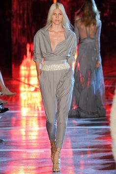 http://www.vogue.com/fashion-shows/fall-2014-couture/alexandre-vauthier/slideshow/collection