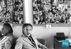 1973, Romain Gary à son bureau