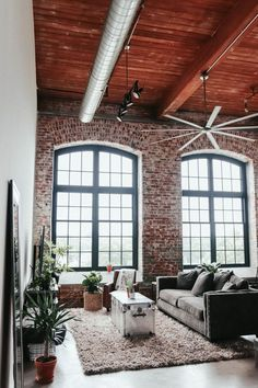 Loft apartments are such awesome spaces and can really bring out the creative design in people. Here's my modern, rustic, industrial loft apartment! Modern Industrial Decor, Industrial Interior Design, Industrial Living, Industrial Style, Urban Industrial, Industrial Loft Apartment, Kitchen Industrial, Vintage Industrial, Modern Decor