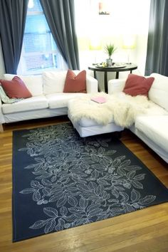 DIY Dropcloth Rug.  I've already done some other work with drop cloths, this would be great in the dining room!