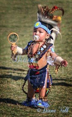 Native American Little Pow Wow Indian Dancer Native American Children, Native American Beauty, Native American Photos, American Indian Art, Native American History, American Indians, American Baby, Native American Dress, American Clothing