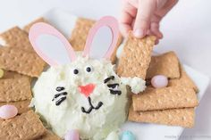 This little bunny will add such a fun pop of personality on your Easter table.│Easter Bunny Key Lime Cheeseball by Made to be a Momma