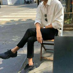 Really nice summer mens fashion. Really nice summer mens fashion. Korean Fashion Men, Boy Fashion, Korean Men Style, Male Street Fashion, Trendy Mens Fashion, Fashion Vest, Male Style, Fashion Books, Womens Fashion
