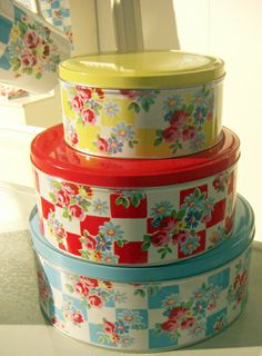 A lot of cookies and other baking were layered in wax paper and stored in these types of wonderful vintage tins!