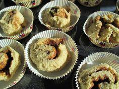 Tinskun keittiössä ja Tyynen kaa: Alle kahden hiilarin kanelipullat Muffin, Breakfast, Food, Healthy, Morning Coffee, Essen, Muffins, Meals, Cupcakes