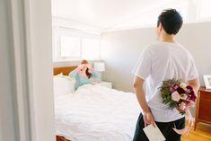 Сюрприз цветы и завтрак в постель   Kerinsa Мари Фотография & Фиолетовый цветочный дизайн   видеть больше на: http://burnettsboards.com/2014/04/sweetest-anniversary-surprise/