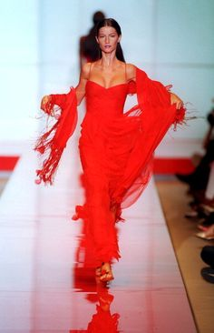 Valentino Haute Couture fall 1999. See Gisele Bundchen's 15 best runway moments.