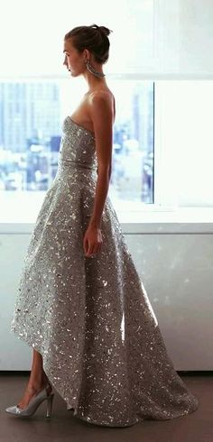 Oscar de la Renta evening gown in gorgeous gray with silver detailing, formal wear, holiday gown, timeless, silver heels, black tie event dress, worn by model Karlie Kloss
