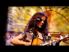 Patty Griffin - Mary one of my favortie songs ever  ...covered in birds    Who can sing a million songs   Without any words