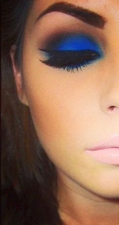 electric blue smokey eyes & nude lips