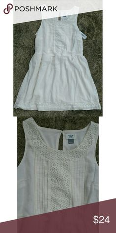"NWT Old Navy fit & flare dress. Size small Gorgeous sleeveless dress from Old Navy. Cotton dress with polyester lining.  Crochet detail. Side zipper Color : Off white Size: Small Length 32"" Armpit to armpit 17"" Waist 32"" Old Navy Dresses Midi"