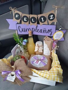 Diy Birthday, Birthday Gifts, Breakfast Basket, Diy Crafts For Gifts, Party In A Box, Gift Hampers, Creative Gifts, Birthday Decorations, Homemade Gifts