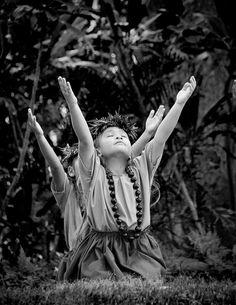 hula kahiko by Wayne Muromoto, via 500px