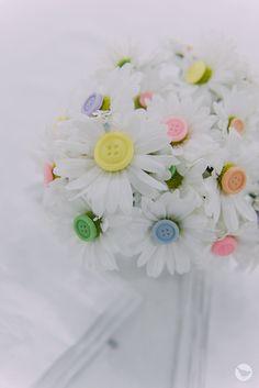Flores Decoradas com Botões