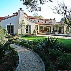 Hacienda Style House Design Ideas, Pictures, Remodel, and Decor - page 6