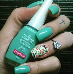 "Combinação com esmalte da @esmaltecolorama na cor ""banho de chuva"" #coloramadasemana #colorama #bhpelículas #nails #nails2inspire #polishnails #nailartwow #nailaddict #polishgirl #unhas #instanails #instafashion #instadeunhas #instablog #unhasdasemana #top #lovenails #divulgamef #up #girls #manicure  @michelle_jair by bhpeliculasdeunhas"
