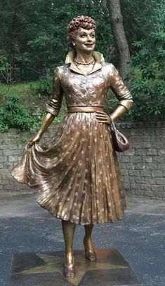 Lucille Ball bronze sculptor on New Polka- Dotted Statue* by artist Dave Poulin*New York