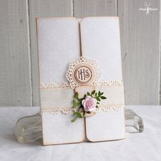 Confirmation Cards, Die Cut Cards, First Holy Communion, Handmade Decorations, I Card, Holi, Diy And Crafts, Decorative Boxes, Place Card Holders