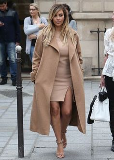 Fashion Confession: I'm Obsessed With Kim Kardashian's Coat Collection    422      102      4