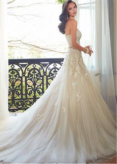 Glamorous Tulle Sweetheart Neckline Natural Waistline A-line Wedding Dress With Beaded Lace Appliques