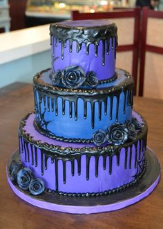 Dark, spooky, and in love! Fondant Wedding Cakes, Dark, Desserts, Food, Tailgate Desserts, Meal, Dessert, Eten, Meals