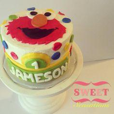 Elmo smash cake Facebook.com/NapasSweetSensations