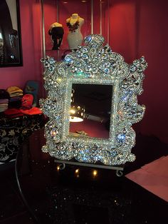 Mirror fit for a Princess dress. Mirrored Furniture, Furniture Decor, Beautiful Mirrors, Beautiful Homes, Fancy Mirrors, Mirror Set, Through The Looking Glass, Look In The Mirror, Mirror With Lights