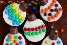 Easy Cupcake Decorating for Christmas