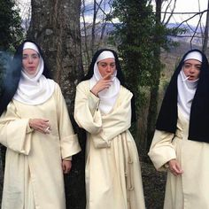 The 'Little Hours' star talks about smoking weed with nuns, the tastes of Tuscany, and whether she's a witch. Aubrey Plaza, Half Elf, Rauch Fotografie, Saks Potts, Photocollage, Aesthetic Grunge, American Horror Story, Aesthetic Pictures, Indie