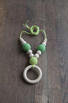 Teething Necklace Nursing Necklace Collana Allattamento con Anello   di RosaPeonia su DaWanda.com