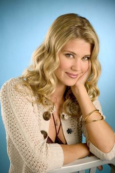 How Sarah lancaster blonde nude