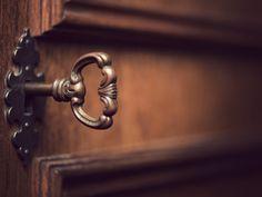 door lock key