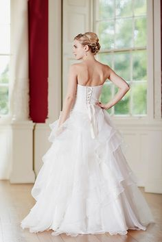 Strapless Pleated Bodice Cascaded Organza Wedding Dress with Crystal for 2017_2