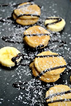 Banany w cieście kokosowym FIT - Just Be Fit Be Strong! Gluten Free, Cookies, Sweet, Fitness, Desserts, Food, Strong, Projects, Glutenfree