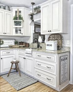 31 White Kitchen Cabinets Ideas in 2020 Antique White Kitchen Cabinets Farmhouse - White N Black Kitchen Cabinets Farmhouse Style Kitchen, Modern Farmhouse Kitchens, Kitchen Redo, New Kitchen, Home Kitchens, Kitchen Ideas, Antique Farmhouse, Country White Kitchen, 10x10 Kitchen